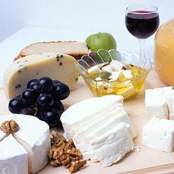 Cheese_and_wine_320