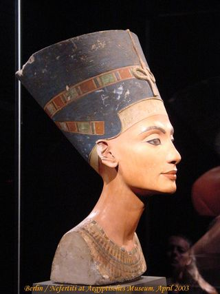 Berlin Nefertiti