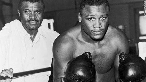 111107040358-joe-frazier-a-life-in-pictures-horizontal-gallery
