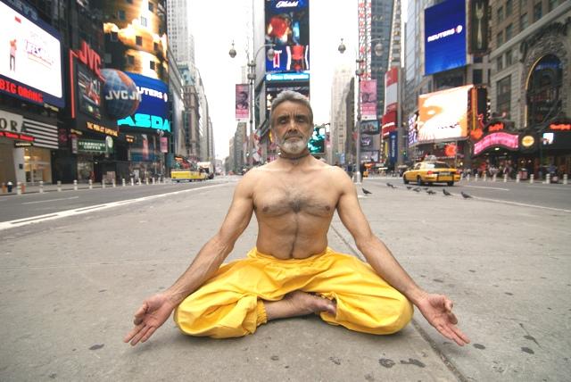 Dharma-mittra-yoga2